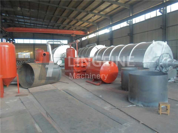 High Quality Waste Old Tyre Pyrolysis Oil Recycling Machines